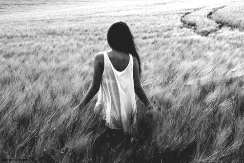 black-and-white-brunette-field-girl-path-Favim.com-337099