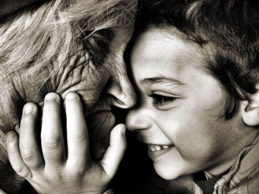 imagen-abuela-y-su-nieto-querido