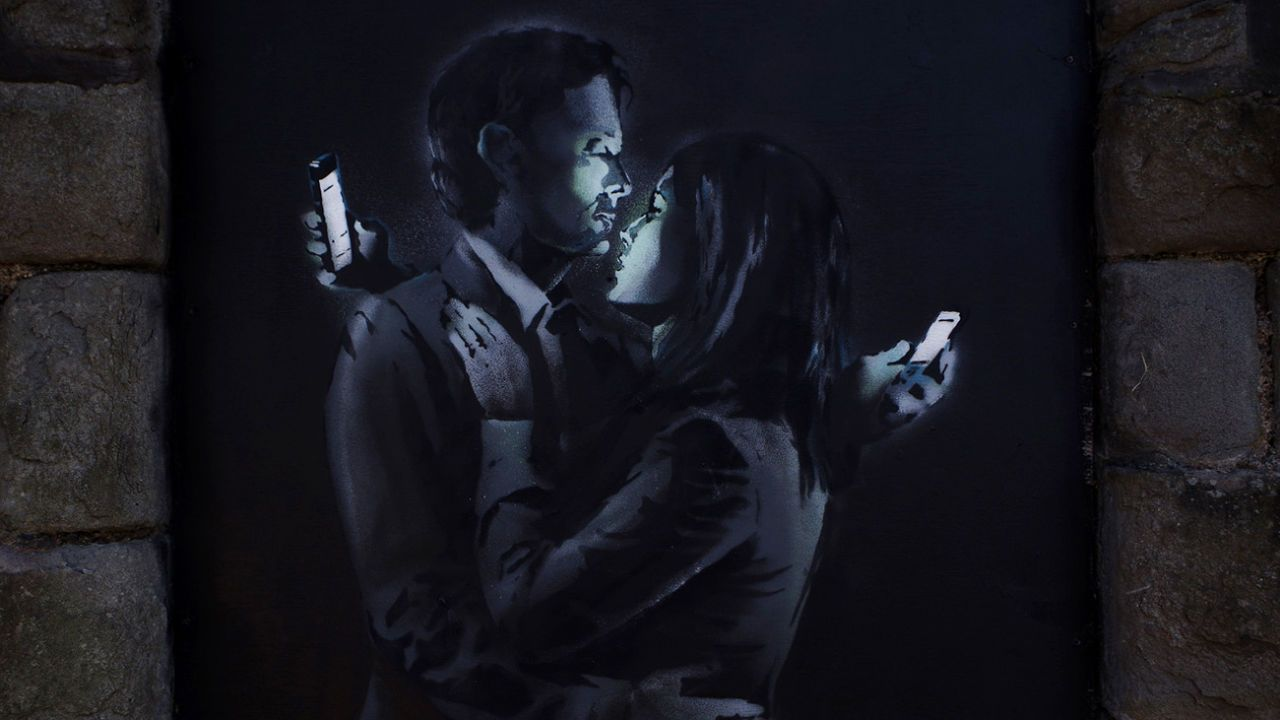 3029136-poster-p-1-new-banksy-mobile-love-uk